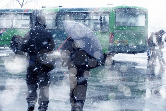 V Srbiji smrt zaradi mraza, v BiH preglavice zaradi snega