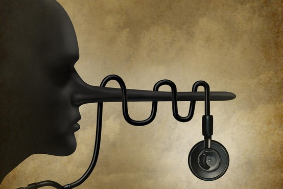 Strokovnjaki svarijo pred zavajajočim oglasom o čudežnih kapljicah za povrnitev sluha
