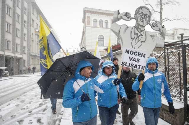 Policisti s stavko sporočajo vladi, da je z njihovim potrpljenjem konec! (foto: Anže Malovrh, STA)