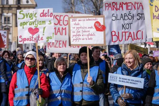 Učitelji na shodu v Ljubljani za višje plače (foto: Nebojša Tejić, Anže Malovrk/STA)
