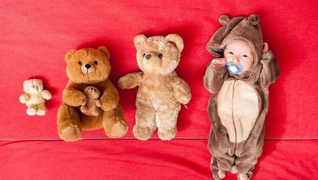 Japoncu dodelili skrbništvo za 13 otrok, ki so jih rodile nadomestne matere (foto: profimedia)
