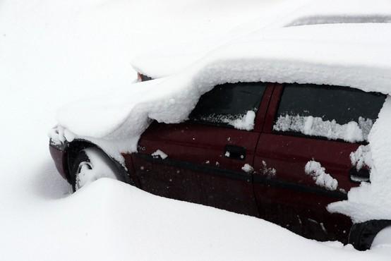Britanka rodila v avtomobilu sredi snežnega meteža!