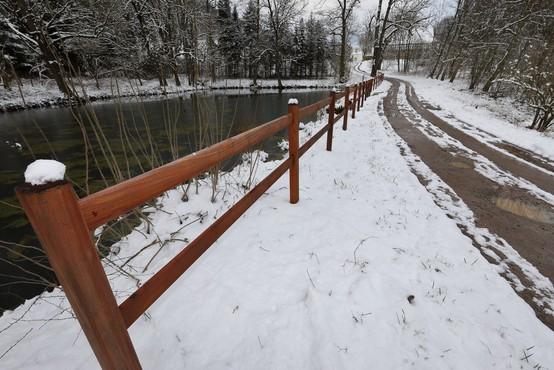 Ponedeljek bo znova prinesel sneg do nižin!
