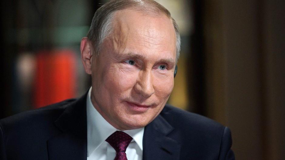 Putin v predvolilnem filmu razkril vrsto skrivnosti: od resnih političnih do zelo rumenih! (foto: prof)
