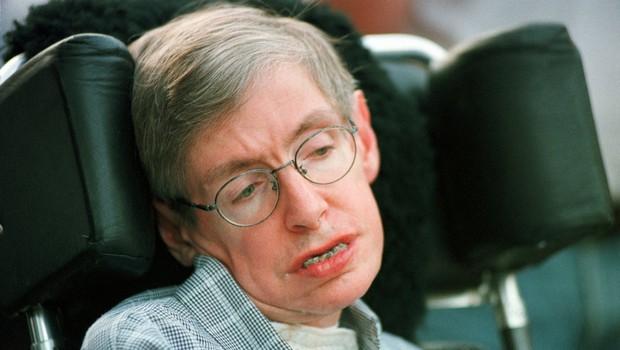 Na svojem domu je umrl sloviti britanski fizik Stephen Hawking (foto: Profimedia)