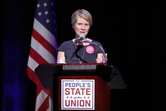 Igralki Cynthii Nixon ni uspel preboj na strankarskih volitvah