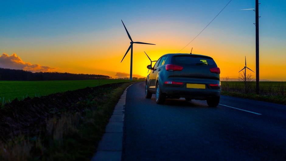 V EU dogovor o omejitvi avtomobilskih izpustov CO2 za 37,5 odstotka do leta 2030 (foto: profimedia)