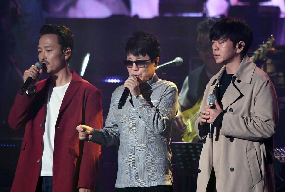 Kim Jong-un ganjen nad koncertom južnokorejskih pop zvezdnikov v Pjongjangu (foto: profimedia)