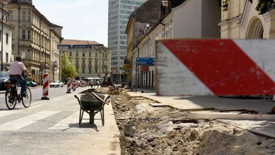 Gosposvetska cesta in Dalmatinova ulica v Ljubljani s popolno zaporo do 30. junija! (foto: Tamino Petelinšek/STA)
