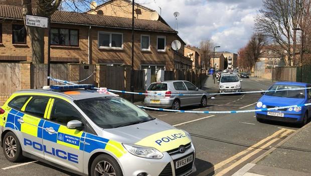 V Londonu avto zapeljal v množico - policija incidenta ne obravnava kot teroristično dejanje (foto: profimedia)