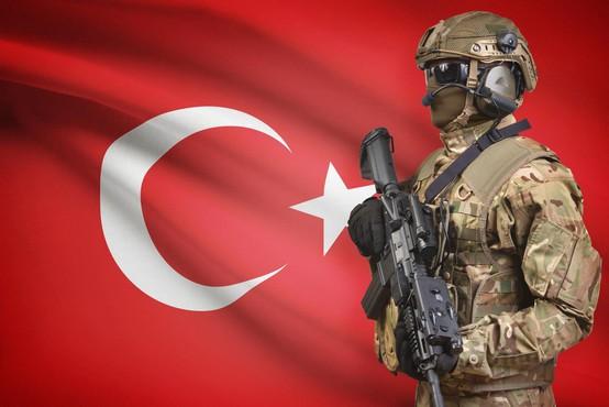 V streljanju na univerzi v Turčiji ubitih več ljudi