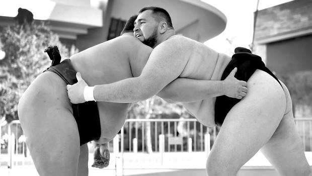 Japonski sumo po aferi s prirejenimi izidi zdaj pretresa še afera z ženskami v ringu (foto: profimedia)