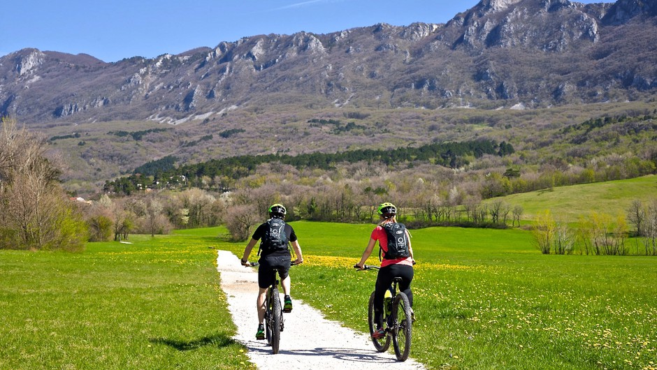 Ideja za izlet: 3 čudovite kolesarske poti, ki jih morate prekolesariti to poletje (foto: Marko Repše)