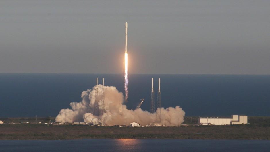 Nasa uspešno izstrelila satelit TESS, ki bo raziskoval planete izven sončnega sistema (foto: profimedia)