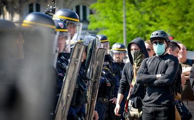 Policijsko posredovanje v študentskih protestih na pariški univerzi