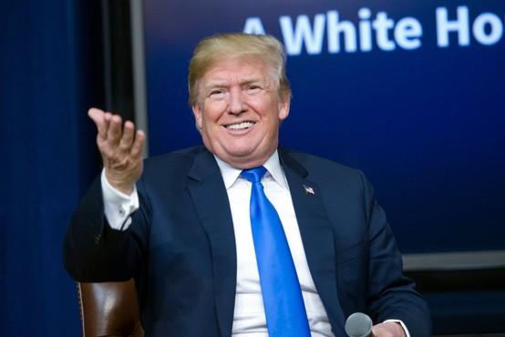 Donald Trump pod lažnim imenom klical revijo Forbes in jim razlagal o svojem premoženju