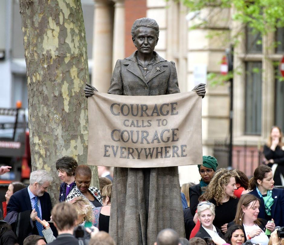 Pred britanskim parlamentom prvi spomenik posvečen ženski: sufražetki Millicent Fawcett! (foto: profimedia)