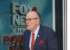 Župan Giuliani priznal Trumpovo vpletenost v plačilo pornografski igralki