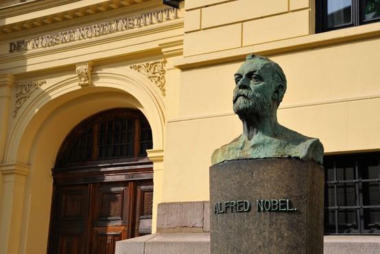 Zaradi škandala Švedska akademija ne bo podelila Nobelove nagrade za književnost