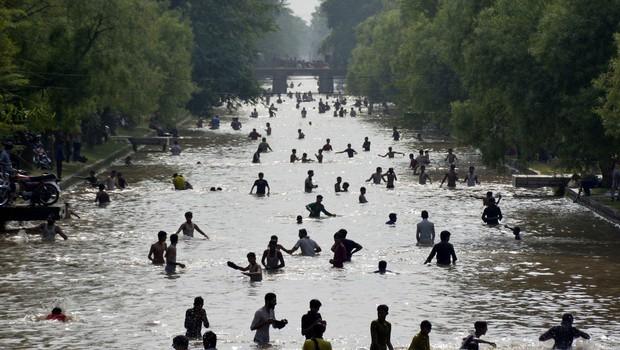 Bizarno vreme: Zaradi temperatur nad 40 stopinjami Celzija v Pakistanu razglasili rdeči alarm! (foto: profimedia)
