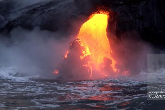 Havaji: Zaradi izbruha vulkana množična evakuacija