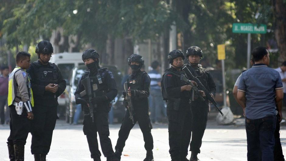 V Indoneziji ponovno samomorilski napad, ki so ga izvedli člani ene družine! (foto: profimedia)