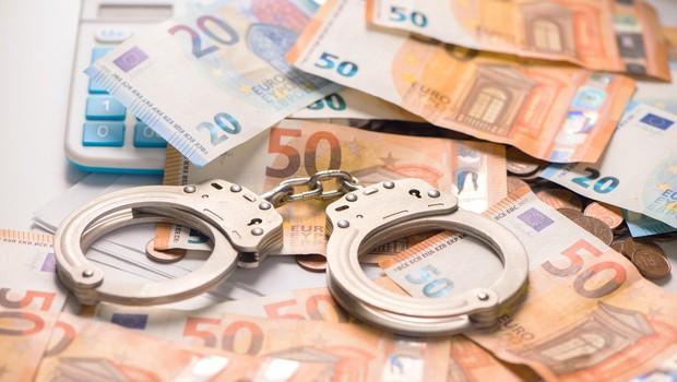Štirje Slovenci in Hrvat z obljubami visokih donosov oškodovali 41 ljudi za skoraj 600.000 evrov (foto: profimedia)