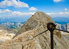 V gorski nesreči pri vzponu na Triglav umrl plezalec