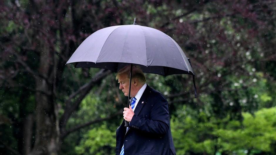 Donald Trump prepovedal poslovanje s tveganimi tujimi telekomunikacijskimi podjetji (foto: profimedia)