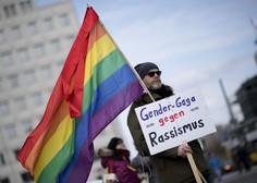 V Berlinu hkrati protestiralo 5000 skrajnih desničarjev in 25.000 nasprotnikov rasizma!