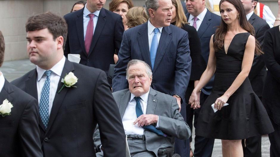 Nekdanji predsednik ZDA George Bush starejši ponovno v bolnišnici (foto: profimedia)