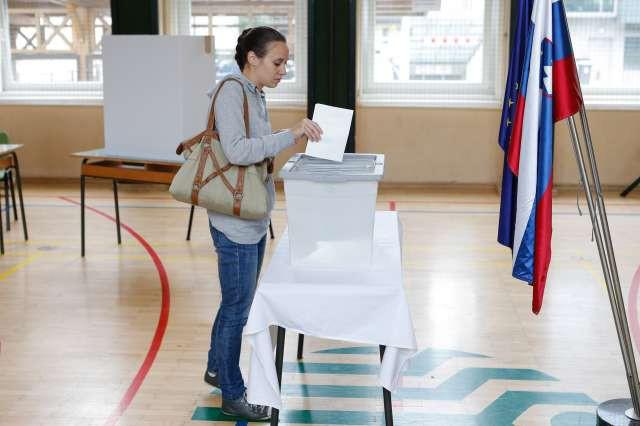 Preštetih je več kot 99 odstotkov glasov in postaja jasno, da ... (foto: STA)