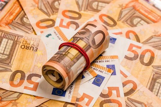 V Trnovljah pri Celju iz odklenjenega avta varnostnikoma ukradli milijon evrov