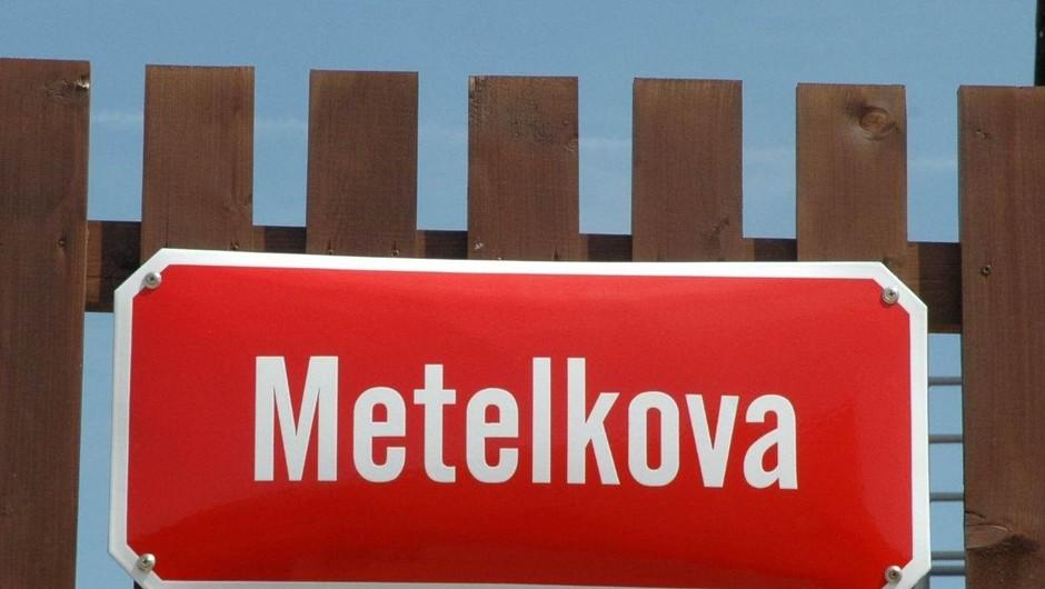 25-letnik ponoči zanetil požar na Metelkovi (foto: Profimedia)