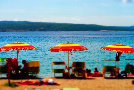 V hrvaški Crikvenici čez poletje uvedli vinjete za avtobuse z dnevnimi obiskovalci