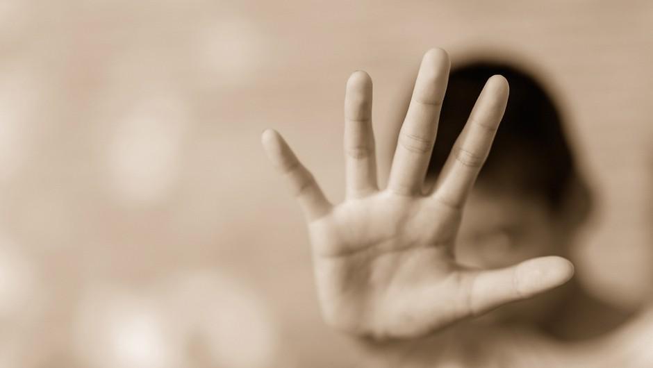 Nekdanji katoliški učitelj v Španiji dobil 22 let zapora zaradi zlorab učencev (foto: Shutterstock)