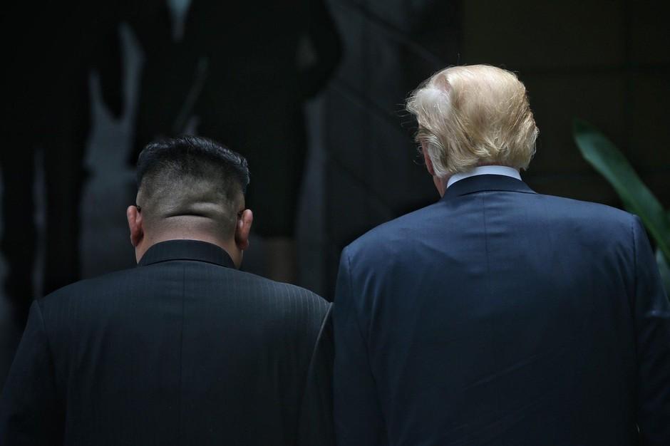 Trump in Kim v Singapurju podpisala dogovor, na Twitterju pa najbolj odmeva Trumpova šala! (foto: profimedia)