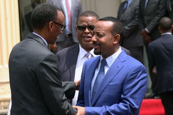 Na polnem trgu je med govorom etiopskega premierja eksplodirala granata