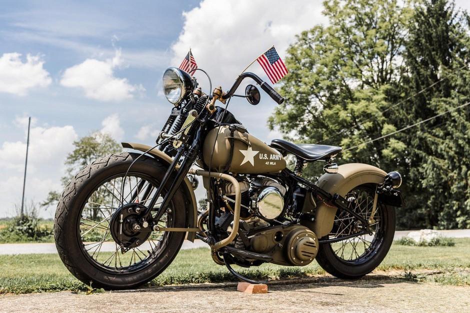 Harley Davidson bo s selitvijo dela proizvodnje iz ZDA omejeval škodo, ki so posledica uvedbe ameriških carin! (foto: profimedia)