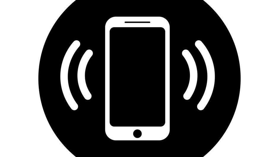 Policisti opozarjajo na previdnost ob vračanju klicev na neznane številke (foto: profimedia)