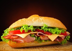 Nemška policija zaradi sendviča, ki ga je sodelavcu zastrupil sodelavec, preiskuje še 21 smrti!