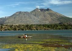 Bali: Izbruh vulkana ohromil letalski promet
