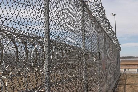 Zapornik pobegnil iz zapora s helikopterjem