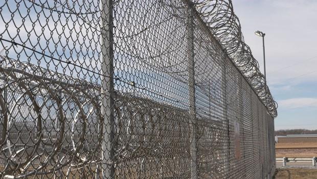 Zapornik pobegnil iz zapora s helikopterjem (foto: profimedia)