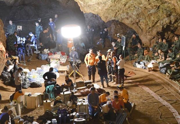 Na Tajskem po devetih dneh našli 12 najstnikov in njihovega trenerja žive! (foto: profimedia)