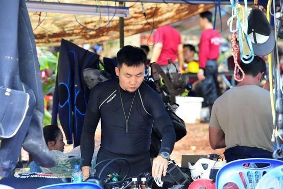 Med reševanjem tajskih dečkov umrl izkušen potapljač