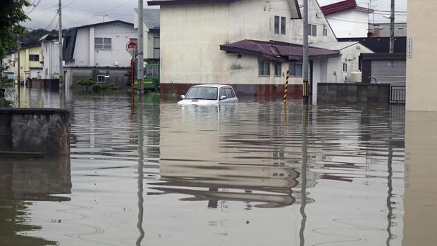 Na Japonskem zaradi obilnega dežja več kot 20 mrtvih in 50 pogrešanih (foto: profimedia)