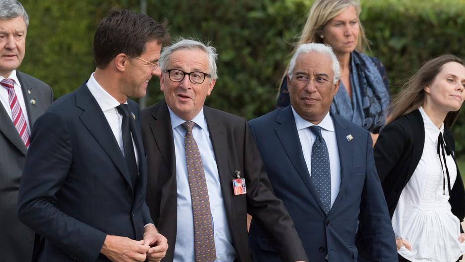Twitter si je Junckerja privoščil že včeraj, Evropska komisija pa o njegovih težavah z ravnotežjem danes! (foto: profimedia)