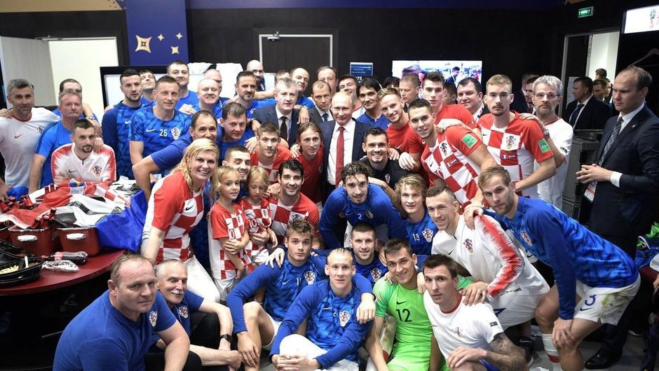 Hrvaški nogometni reprezentanti bodo rešene tajske dečke obdarili z dresi (foto: Profimedia)