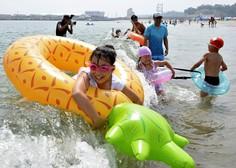 Na Japonskem po več letih znova odprli plaže v bližini Fukushime